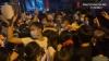 하노이시: 주객 전도된 코로나 백신 접종… 선착순에 사람들 몰려 아우성