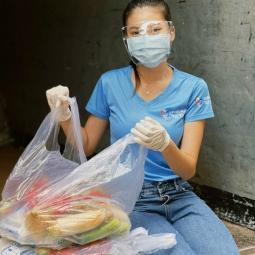 코로나로 어려움을 겪고 있는 사람들을 위해 봉사 활동 나선 응옥타오
